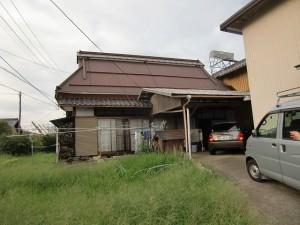古い家を建て替える。お客様の希望は洋風の2階建てにしたいとのこと。