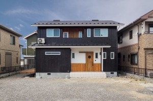 WBハウスなので夏は逆に涼しい空気を上に引き上げます。薪ストーブとWBハウスはとても相性がいいといえるでしょう。